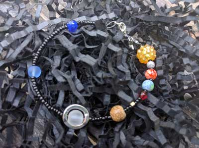 solar-system-bracelet | learn how to make a solar system bracelet