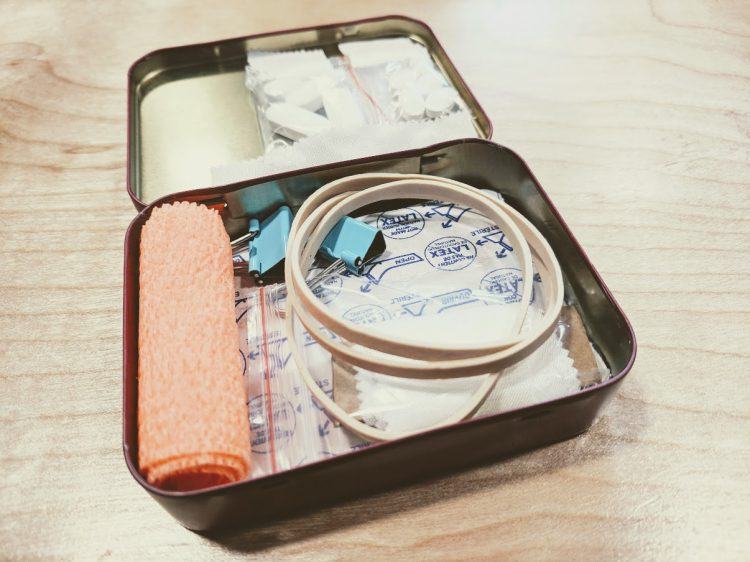 diy altoid tin first aid kit for fathers day