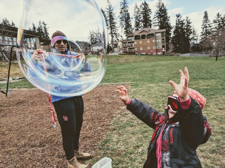 engineering bubbles for kids making giant bubble solution