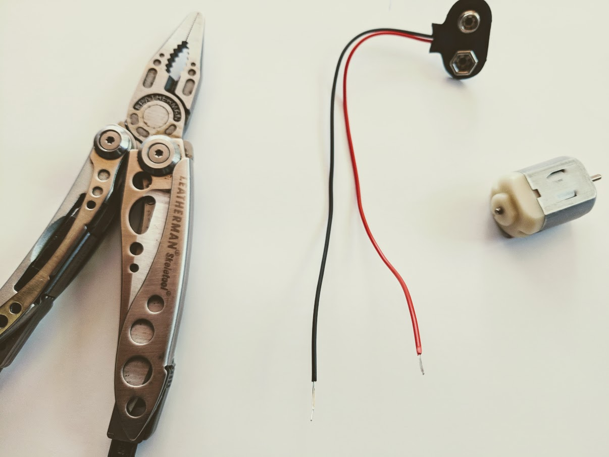 how to build a simple roboto with kids using a dc motor